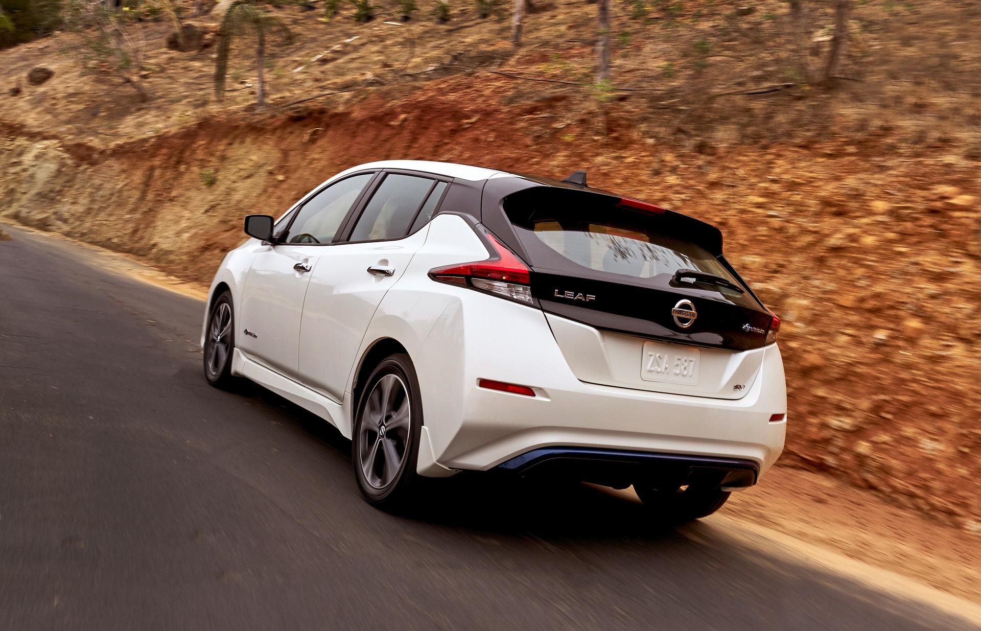 img of car central nissan vehicle electric front black leaf ev gen ii tekna